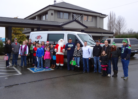 Valley Freightliner Employees Bring Holiday Cheer