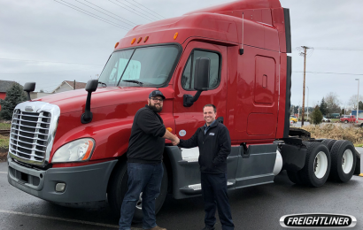 Freightliner Northwest, DTNA and Centralia College Provide Diesel Tech Students with a Freightliner Cascadia