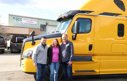 Umpqua Community College Acquires Freightliner Cascadia Trucks for Students
